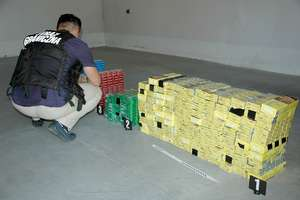 Pracowite wakacje na granicy: Towary bez akcyzy, zatrzymany citroen i Rosjanin