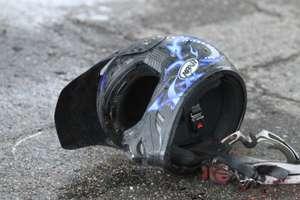 Wypadek pod Olsztynem. Kierowca volkswagena wjechał w motocyklistę