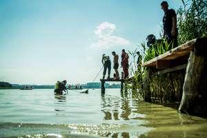 Akcja ratunkowa na jeziorze Probarskim zakończona. Strażacy wyłowili ciało...