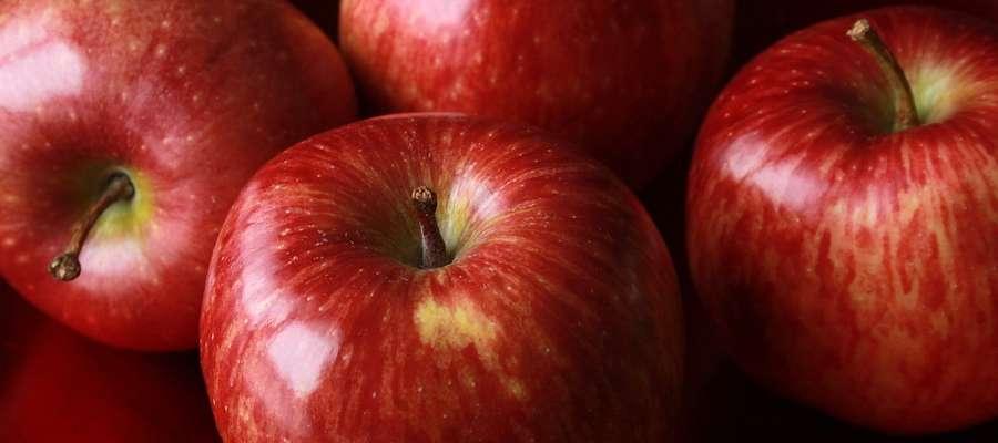 Uczniowie dzięki programowi dostaną min. 20 porcji owoców i warzyw na semestr.