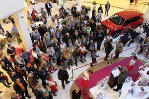 Pierwsza licytacja w Centrum Aura w Olsztynie. Zobacz film i zdjęcia!