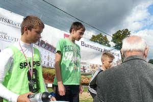 Biegali na przełaj  w Droszewie