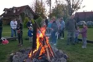 Jesienne zabawy przy ognisku