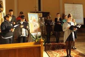 Uczniowie z Judzik pamiętali o XV Dniu Papieskim