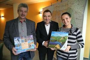 Zwyciężczyni konkursu wiedzy o Kazachstanie odebrała wygraną