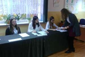 Gimnazjum w Wilkasach: Młodzi głosują