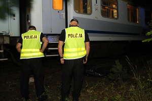 Tragedia na torach. 33-letni mężczyzna zginął pod kołami pociągu