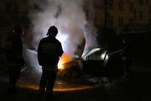 Nocny pożar passata w centrum Olsztyna