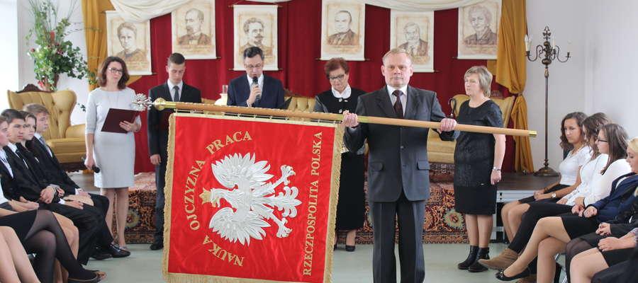 Prezentacja nowego sztandaru szkoły