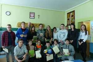 Turniej Wiedzy Ekologicznej. Uczniowie rozpoznawali gatunki drzew