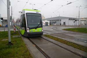 Auto i tramwaj na skrzyżowaniu? Nic prostszego, najpierw pojedzie... QUIZ!