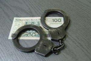 Policja ostrzega mieszkańców powiatu przed oszustami