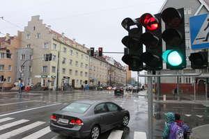 Tramwaj w Olsztynie, pieszy na zygzaku. Kto ma pierwszeństwo na Kościuszki i Kętrzyńskiego?