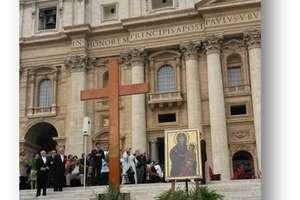 Moc uwielbienia i symbole ŚDM w Olsztynie
