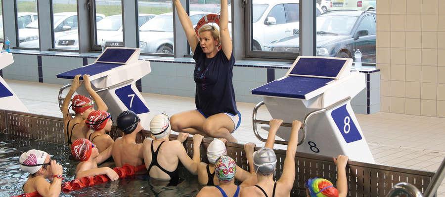 """W CRW """"Dolinka"""" Otylia Jędrzejczak i jej team przeprowadzili w sobotę warsztaty dla młodych pływaków z Elbląga i okolic"""