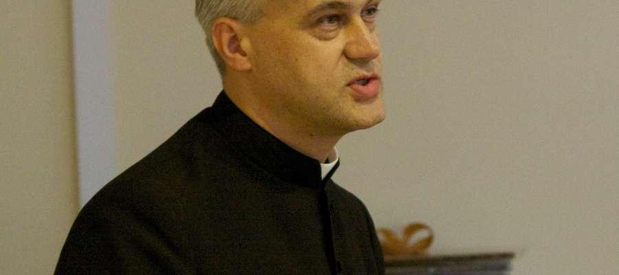 Dyrektorem centrum ŚDM jest ks. Wojciech Skibicki.