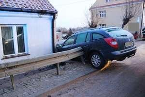 Renault uderzył w barierę ochronną