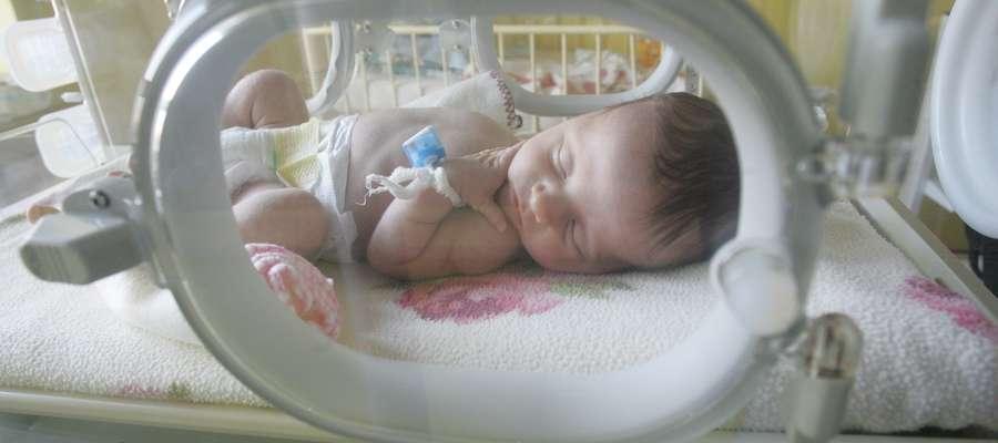 O zasiłek macierzyński z tytułu urodzenia przez matkę dziecka będzie się mógł też ubiegać ubezpieczony ojciec dziecka
