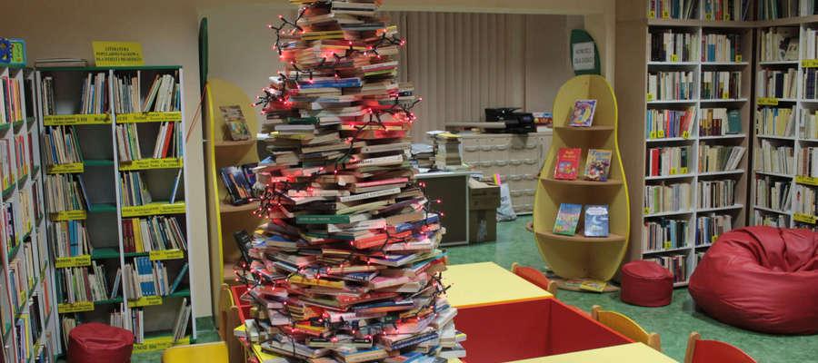 Choinka w Bibliotece Publicznej w Bisztynku