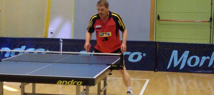Kazimierz Sochacki przez wiele reprezentował barwy ostródzkich klubów pingpongowych