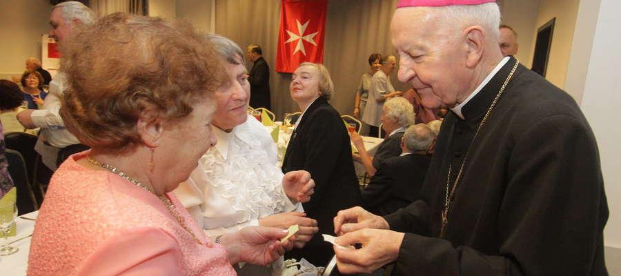 Głównymi gośćmi uroczystej wigilii było 70 podopiecznych Miejskiego Ośrodka Pomocy Społecznej
