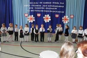 Obchody Dnia Babci i Dnia Dziadka w szkole w Tereszewie`