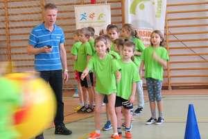 Uczniowie z podstawówek rywalizowali w Karnawałowym Show Sportowym