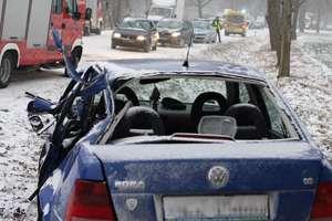 Wypadek na drodze wojewódzkiej między Iłowem a Mławką. Do szpitala trafiło 5-letnie dziecko