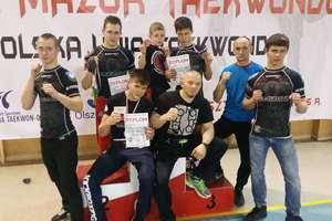 Walki na matach, czyli kickboxerzy w Olsztynku i ich sześć medali