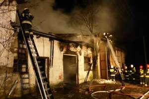 Niebezpieczny pożar w Woźnicach