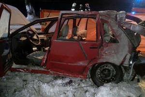 Tragiczny wypadek na trasie Górowo Iławeckie - Bartoszyce. Na miejscu zginęła kobieta, cztery osoby ranne