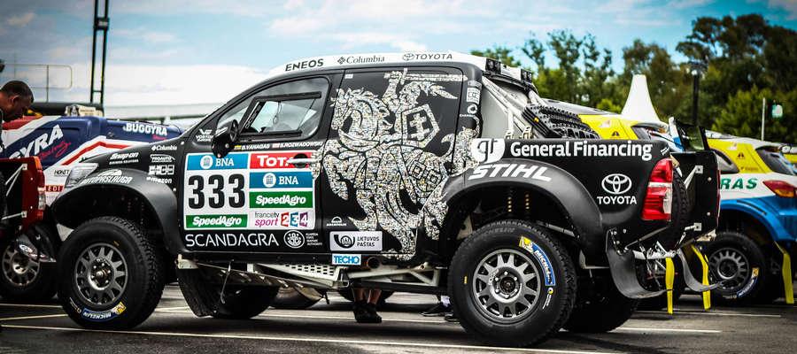 W Rajdzie Dakar 2015 Krzysztof Hołowczyc stanął na trzecim miejscu podium. Jak w tym roku sprawdzi się team Benediktas Vanagas (Litwa), Sebastian Rozwadowski w toyocie hilux?