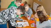 """""""Serca dla serca"""": walentynkowa akcja uczniów ze szkoły w Trelkowie."""