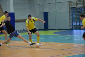 Parkoszewo na czele gminnych rozgrywek halowej piłki nożnej