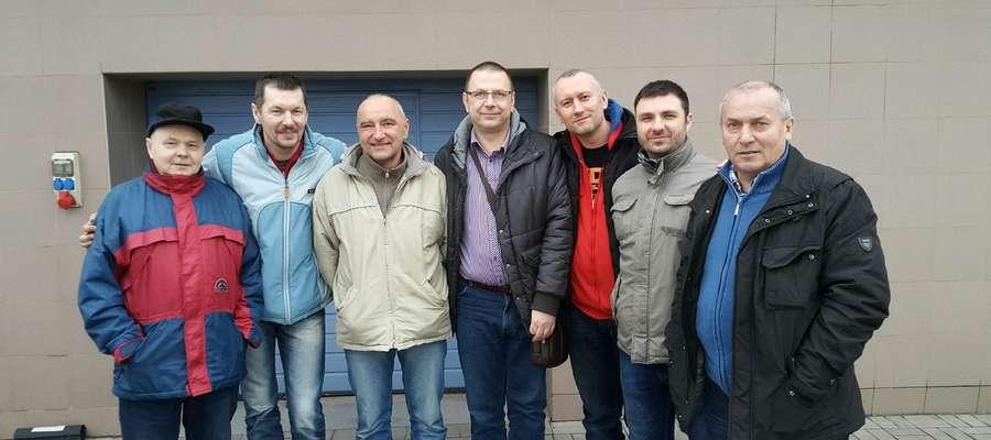 Od lewej: J. Jegliński (Inex Giżycko), Dariusz Filipek, Krzysztof Waszkiewicz, Jacek Trętowski, Marcin Bartoszewski, Tomasz Sinkiewicz, R. Borodko (Inex Giżycko)