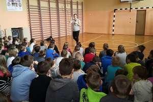 Wioleta Janaczek odwiedziła uczniów w SP 1 [zdjęcia]