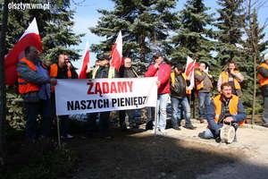 Protest przed Urzędem Marszałkowskim w Olsztynie [ZDJĘCIA i FILM]
