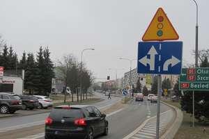 Czytelnik pyta: może zmienić zasady jazdy na skrzyżowaniu?