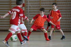 Skrzaty zagrały w piłkarskim turnieju w Bartoszycach
