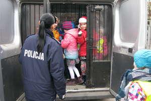 Maluchy poznały pracę policji