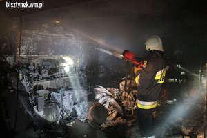 Strażacy nie dopuścili do rozprzestrzenienia się ognia na inne garaże