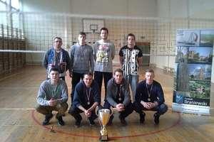 Udane występy siatkarzy Teamu Cresovia