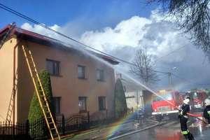 Pożar w Lipinkach, ogień strawił dobytek za 50 tys. zł