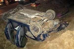 Ukradł forda koleżance i rozbił się pod Olsztynkiem. W stanie ciężkim są dwaj jego pasażerowie