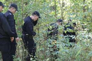Prokuratura potwierdza: Ciało znalezione w lesie należało do podejrzanego o zabójstwo żony