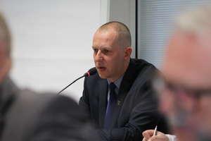 Ostre słowa radnych w kierunku burmistrza Petrykowskiego