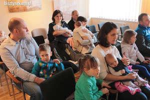 Nowi mieszkańcy gminy Bisztynek otrzymali specjalne upominki