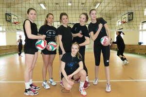 Wiosenny turniej siatkarek zakończył się wygraną drużyny z Olsztyna