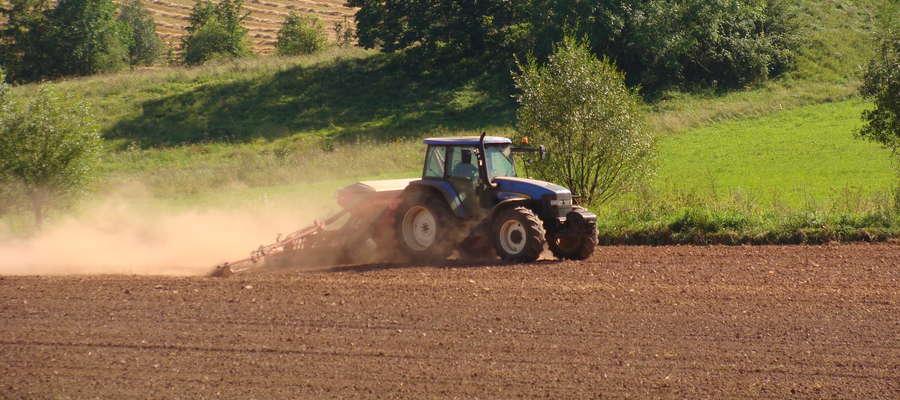 Rolnicy uprawiający państwowe grunty z zasobu Agencji Nieruchomości Rolnych do 31.08.2016r. muszą złóżyć wnioski