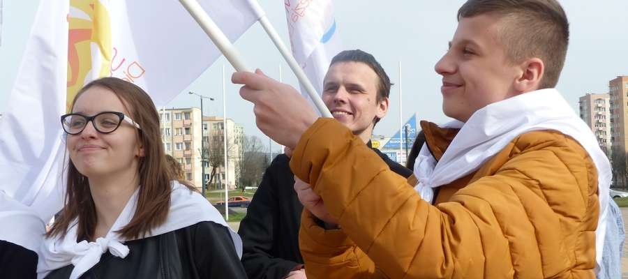 Jakub Kornaga i Julia Olszewska, uczniowie Gimnazjum nr 4 w Elblągu.